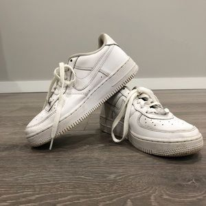 White Nike Air Force 1's low 4.5 youth
